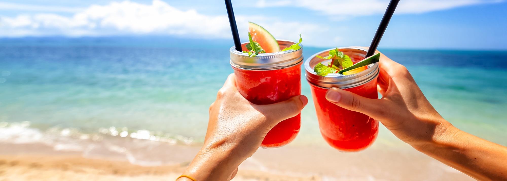 5 sucos naturais refrescantes para este verão