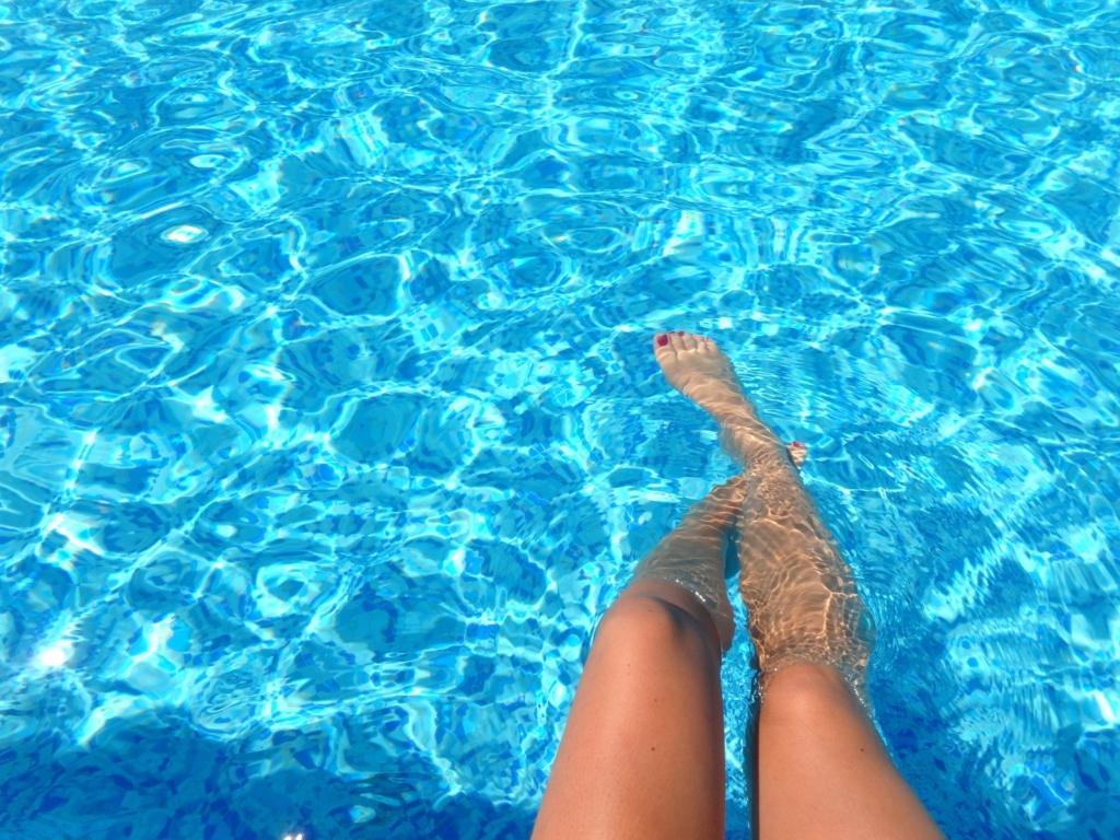 A piscina é o local perfeito para uma festa de verão!