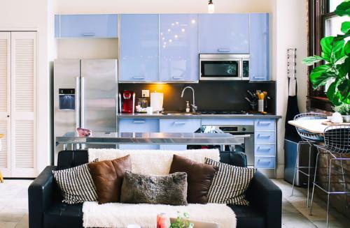 Sala e cozinha integradas: como fazer?
