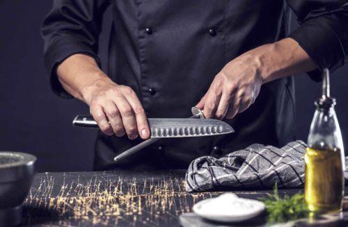 Passo a passo de como amolar facas de cozinha e tesoura