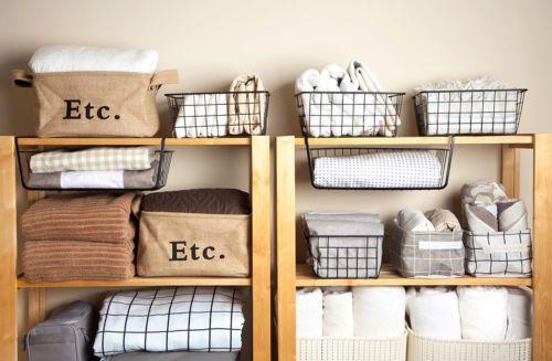 Saiba como dobrar roupas de cama e banho economizando espaço